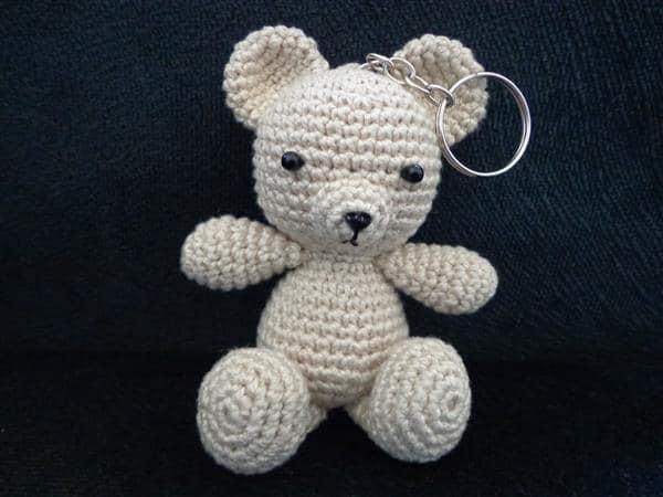 chaveiro-amigurumi-urso