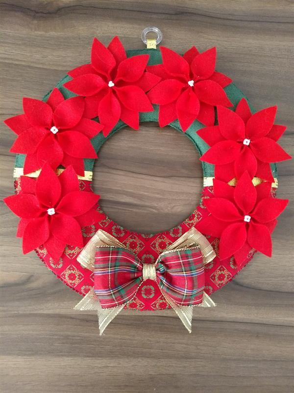 guirlanda-em-feltro-e-tecido-flores-de-natal-decoracao-porta