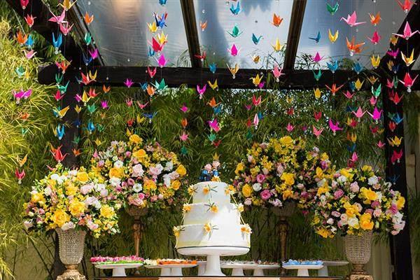 decoracao-de-casamento-com-origami-mesa-do-bolo
