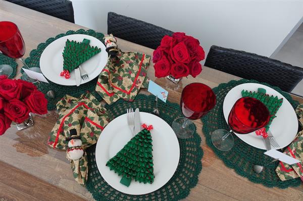 decoracao-de-mesa-de-natal-verde-e-vermelha