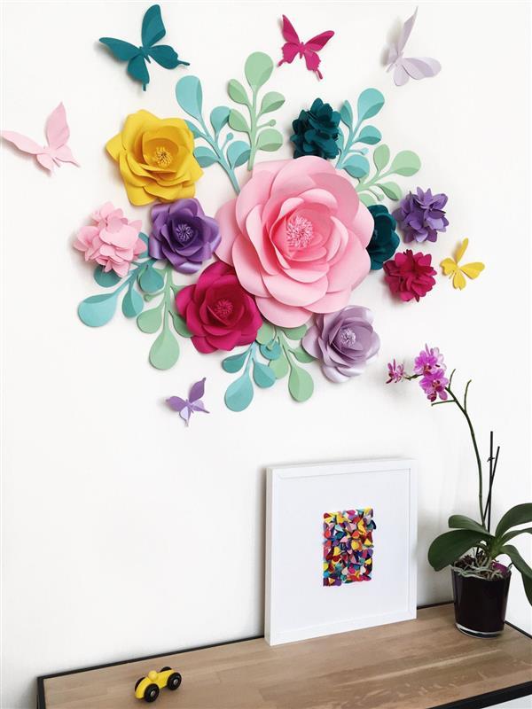 flor de papel no aparador