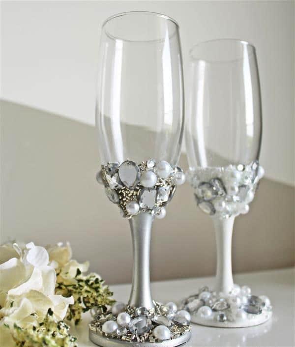 par-de-tacas-noivos-casamento-pedrarias-elegante-noiva