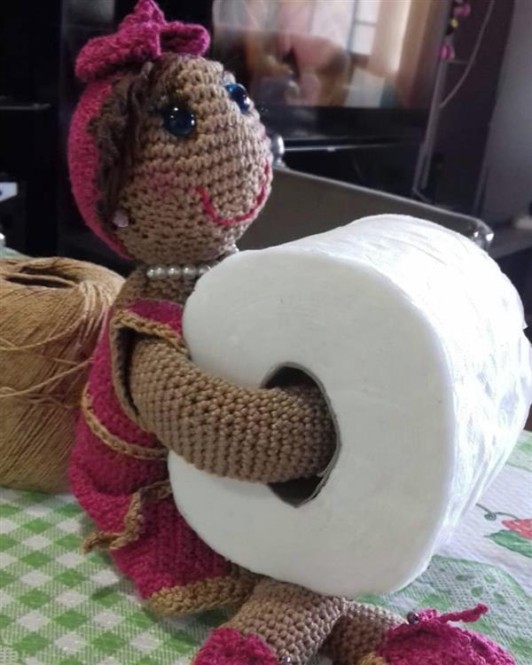 boneca-porta-papel-boneca-croche