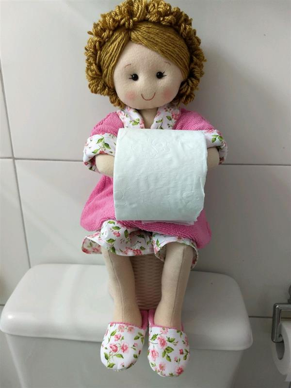 boneca-porta-papel-higienico-boneca-de-feltro