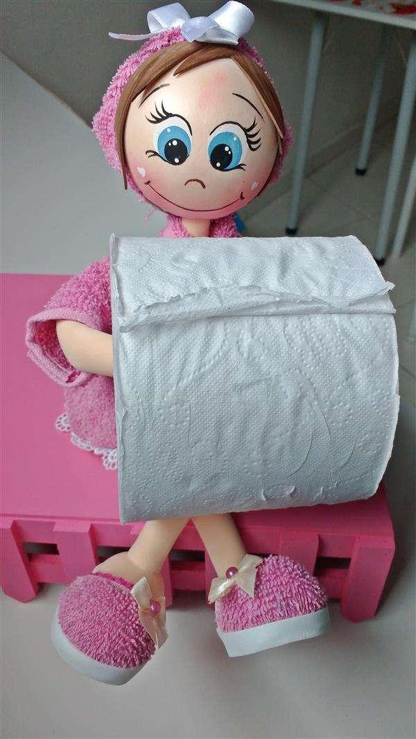 boneca-porta-papel-higienico-em-eva-eva-3d-decoracao-lavado