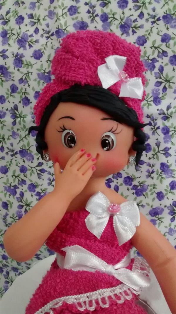boneca-porta-papel-higienico-papel-higienico