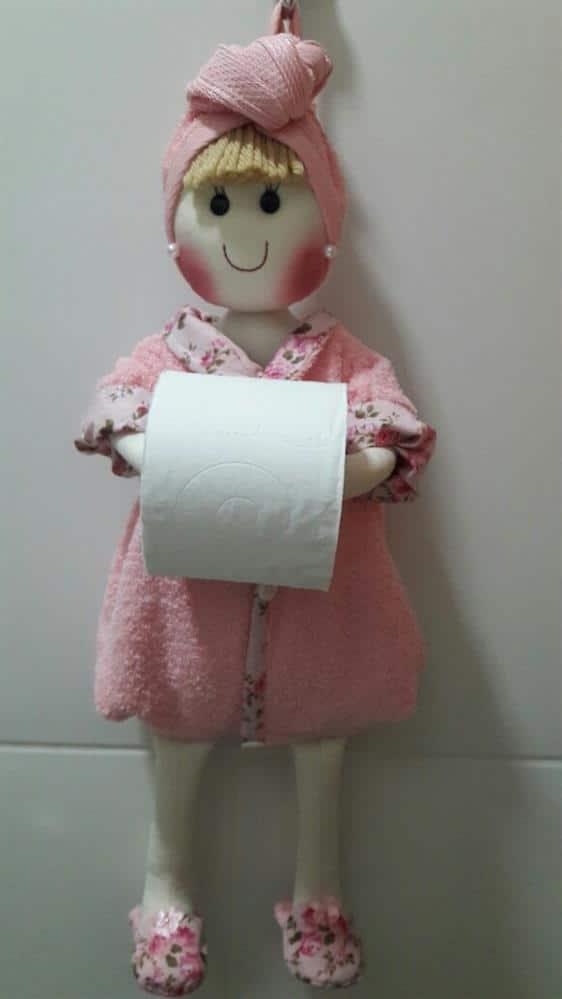 boneca-porta-papel-higinico-de-parede