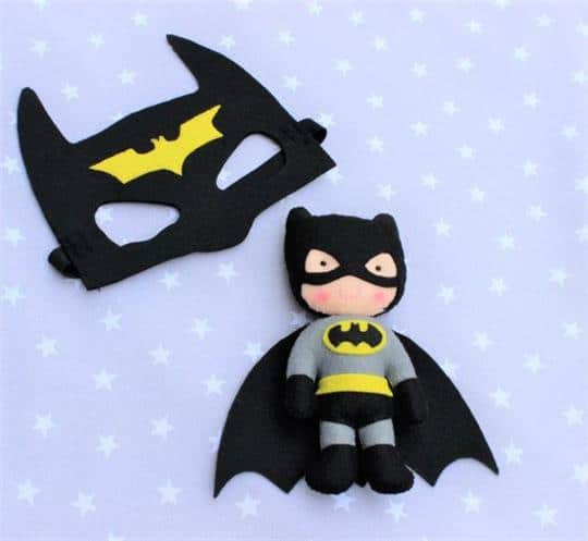 boneco e mascara batman