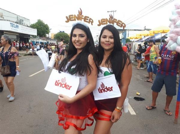 plaquinha carnaval tinder