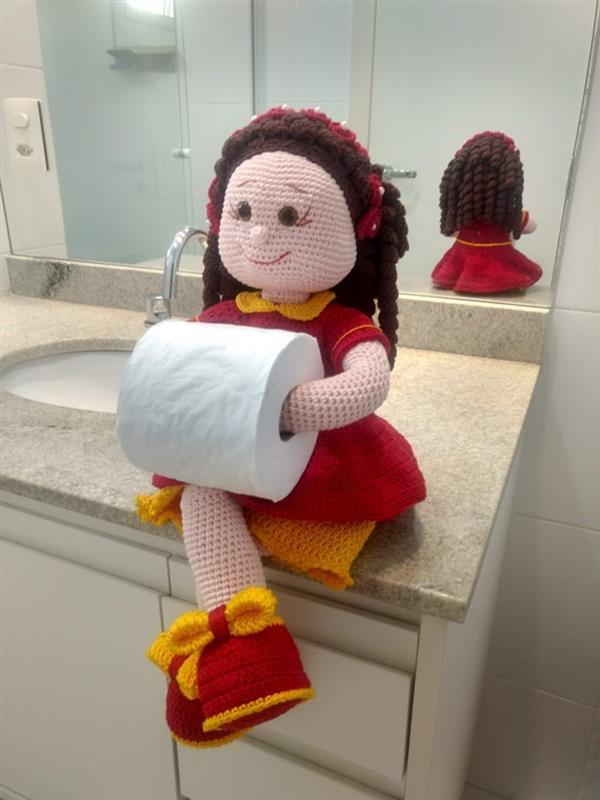 receita-amigurumi-boneca-porta-papel-higienico-boneca-em-croche