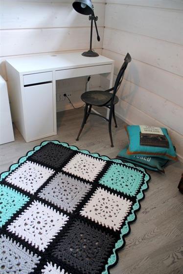 tapete de croche com quadrados