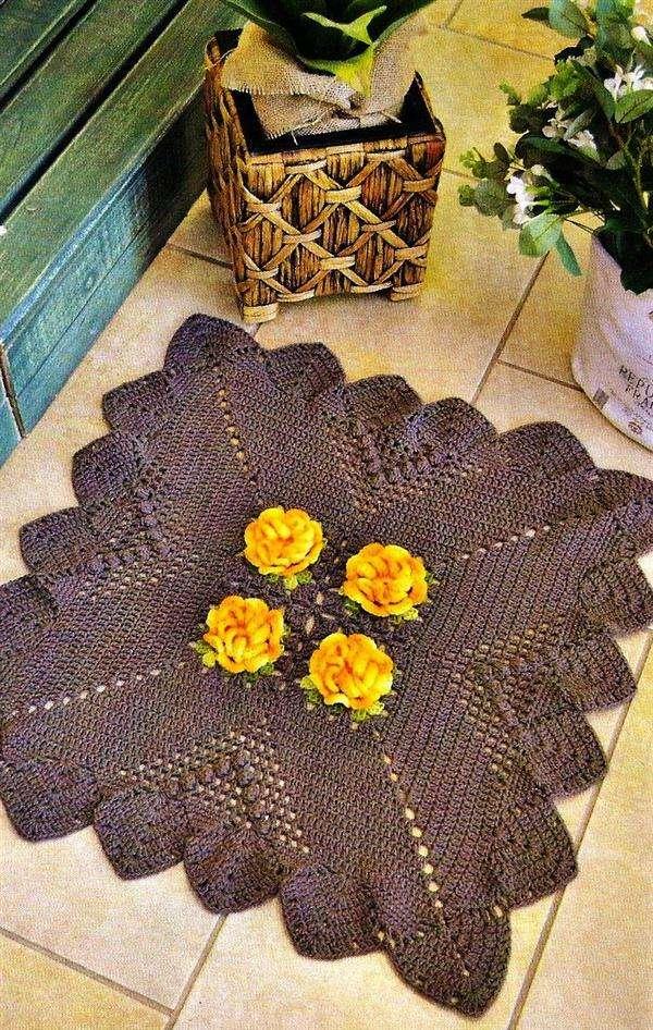 tapete marrom quadrado de croche