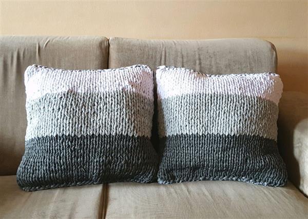 Almofadas de tricô degradê