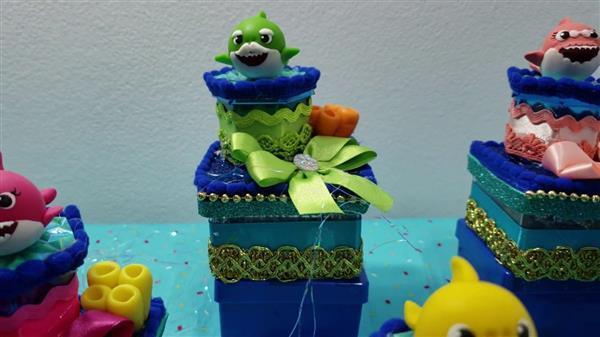 caixa acrilica baby shark