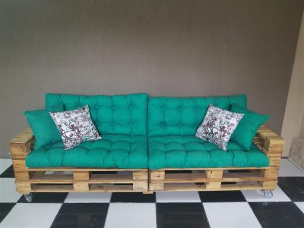 sofa-pallet futon