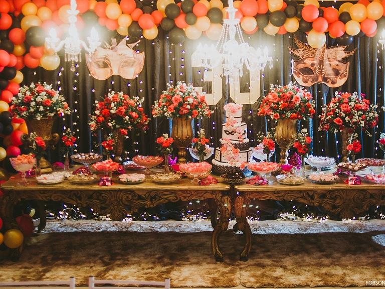 decoração festa de mascaras