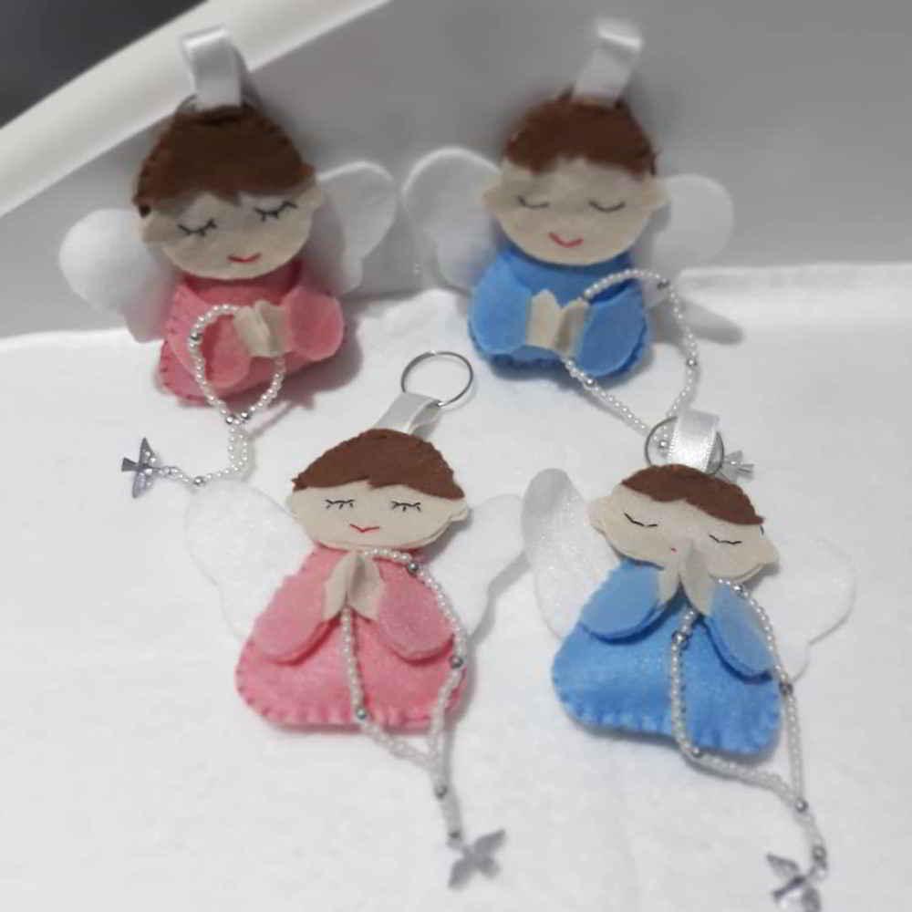 chaveiros de feltro azul e rosa
