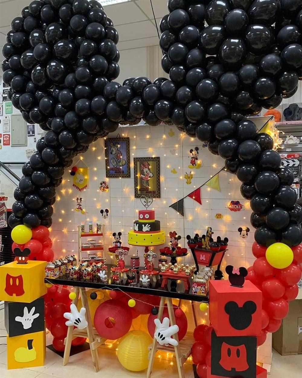 Tema de festa infantil Mickey com balões
