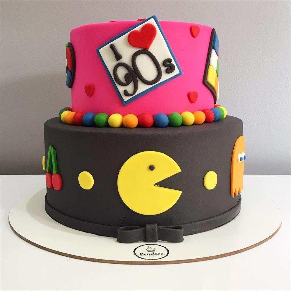 bolo decorado com pasta
