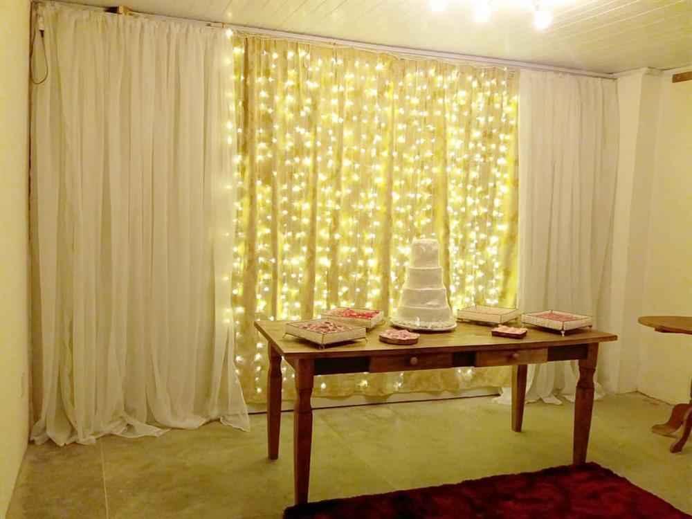 cortina de tecido com iluminação