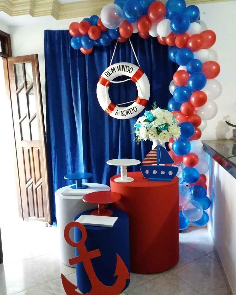 decoração de festa infantil com cortina