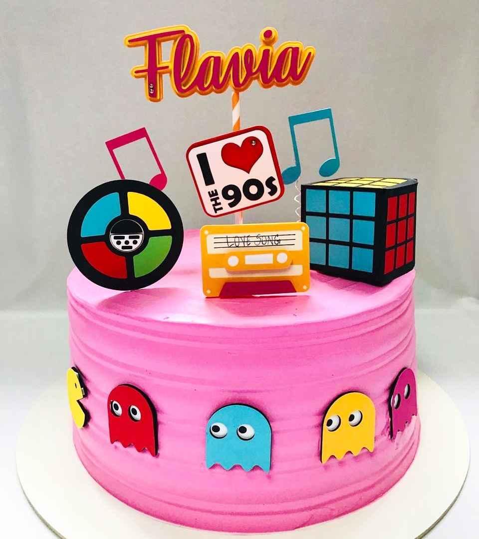bolo com topo anos 90