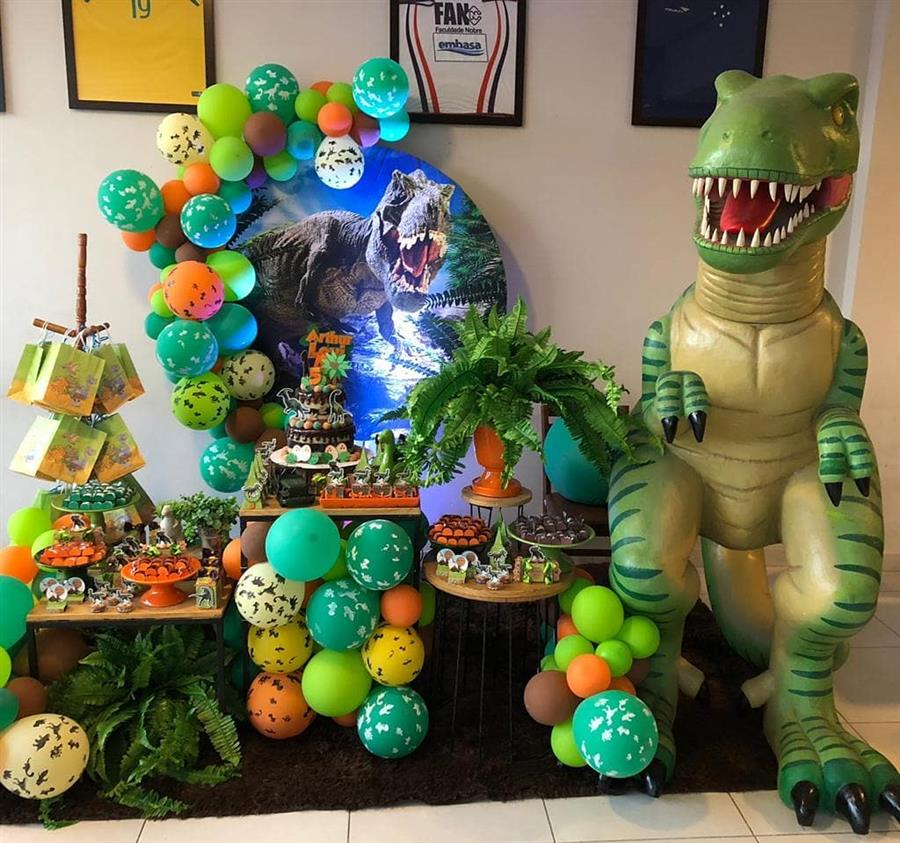 Festa tema dinossauro