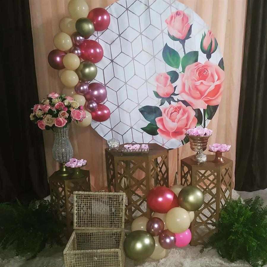 Festa adulta rosa com dourado