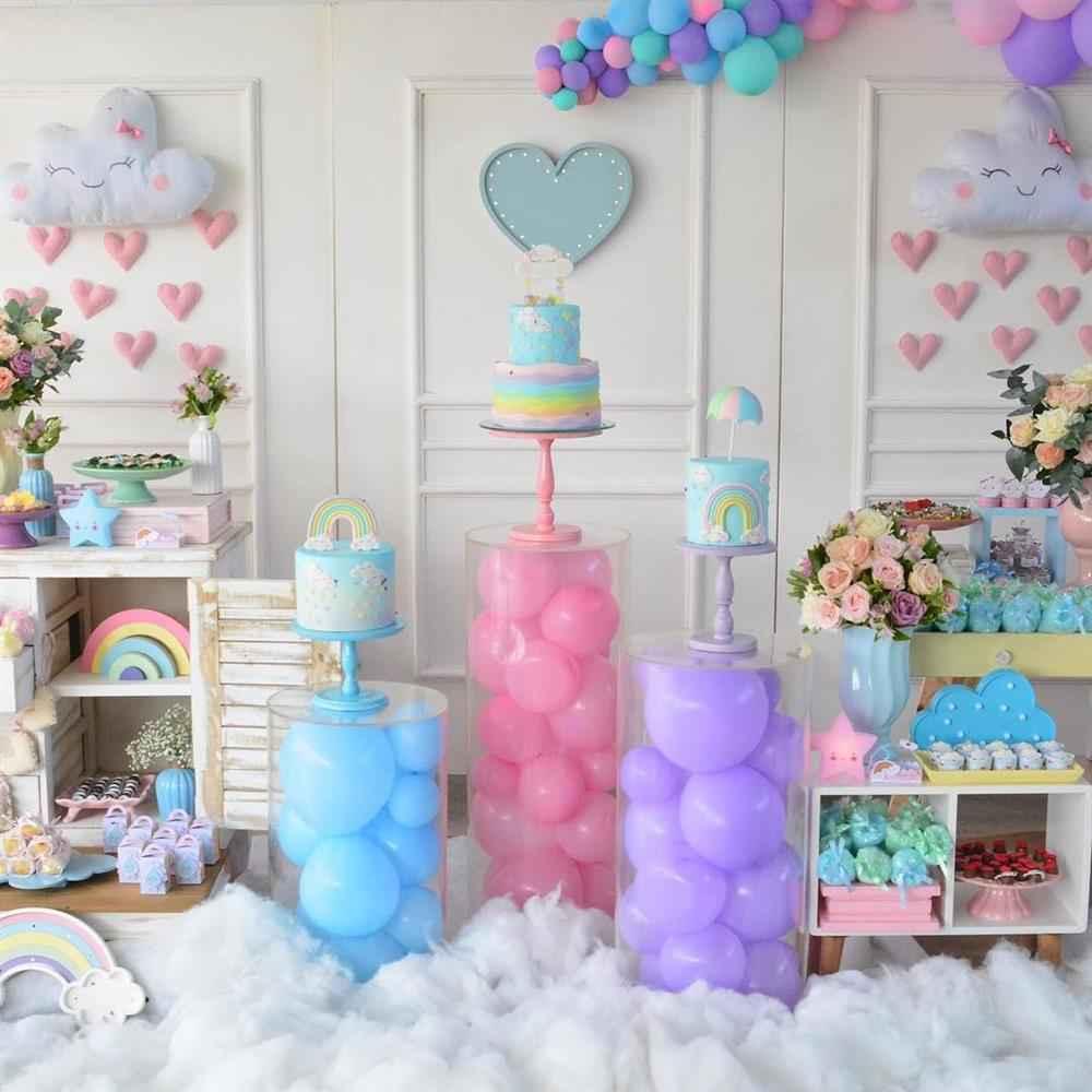 decoração chuva de amor com cilindro de balões