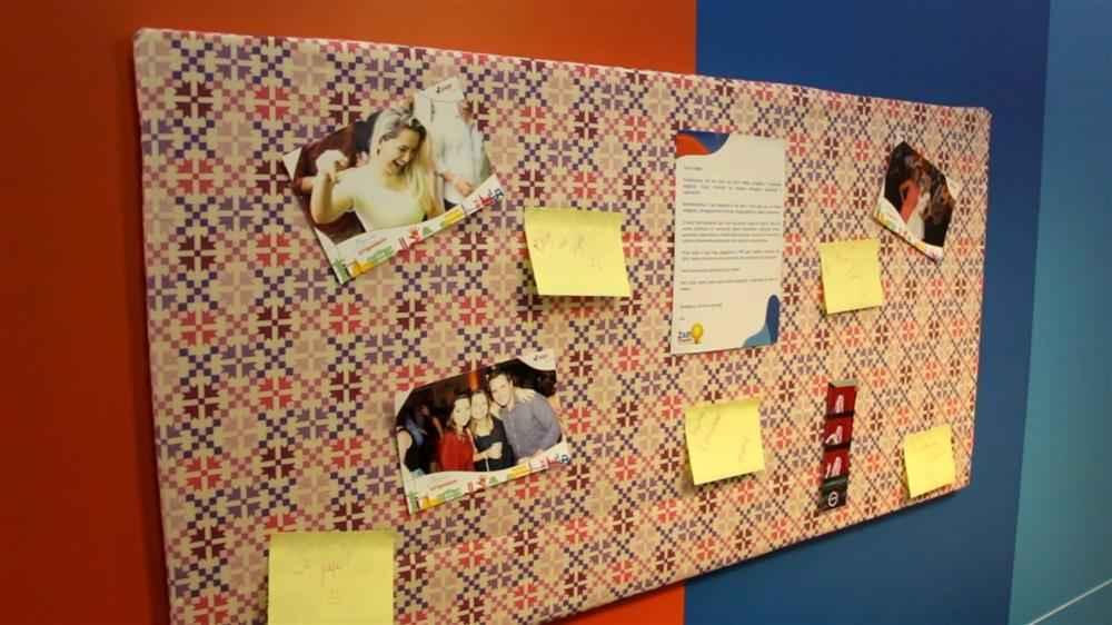 mural de fotos de isopor revestido de tecido