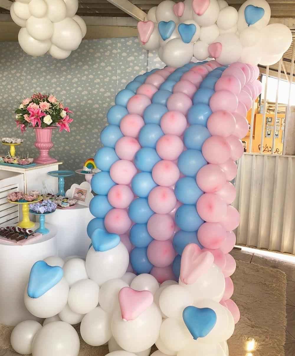arco de balões chuva de amor