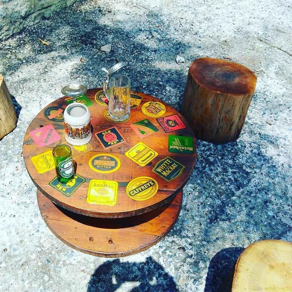 mesinha com selos feita com bobina