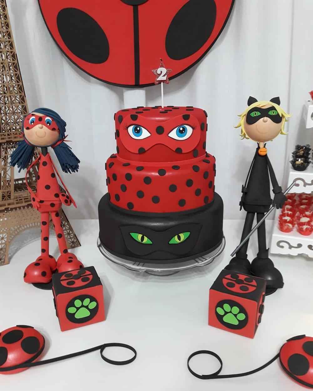 bolo de biscuit da ladybug)