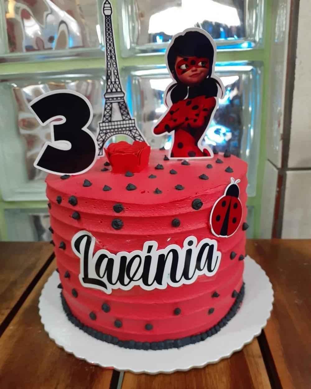 bolo simples joaninha ladybug