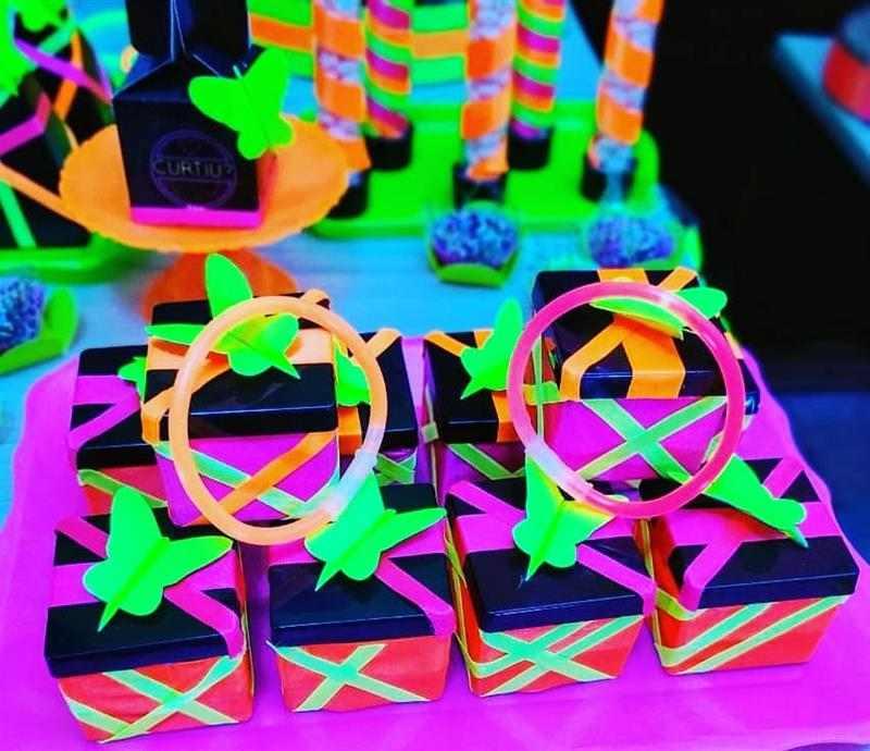 caixinha acrilica neon