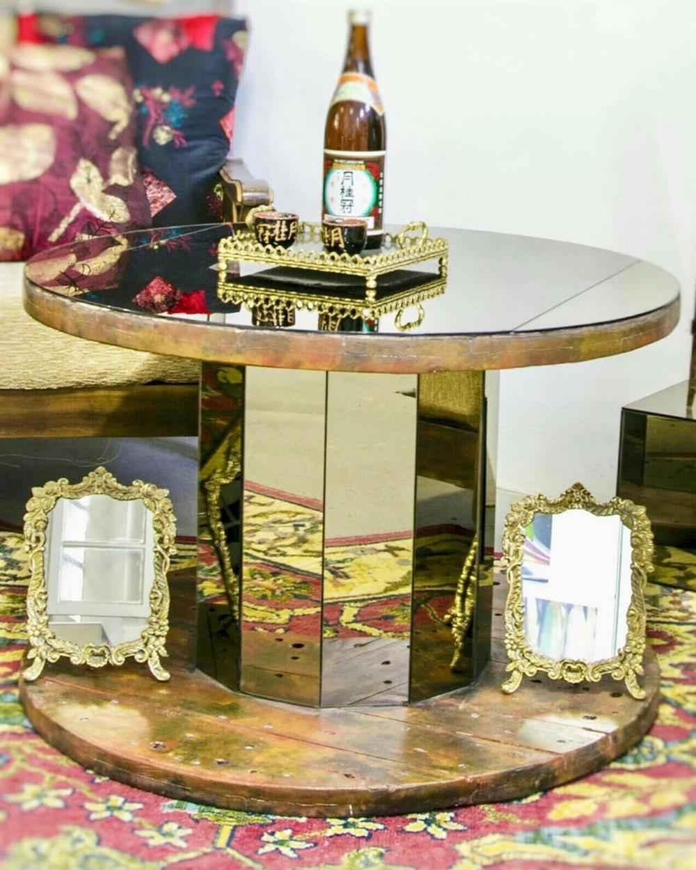 bobina decorada com espelhos