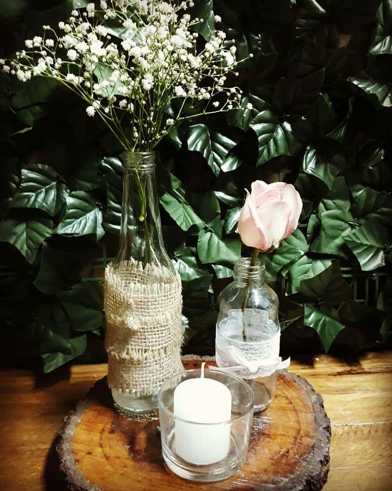 vidro com madeira para centro de mesa