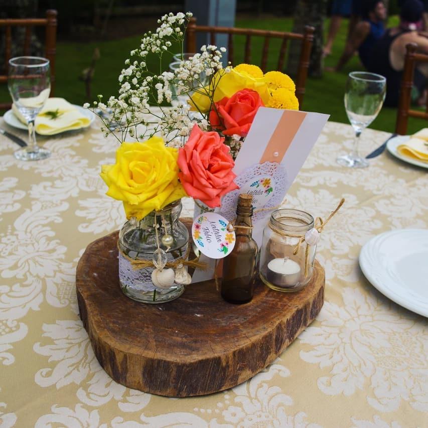 centro de mesa com madeira rustica