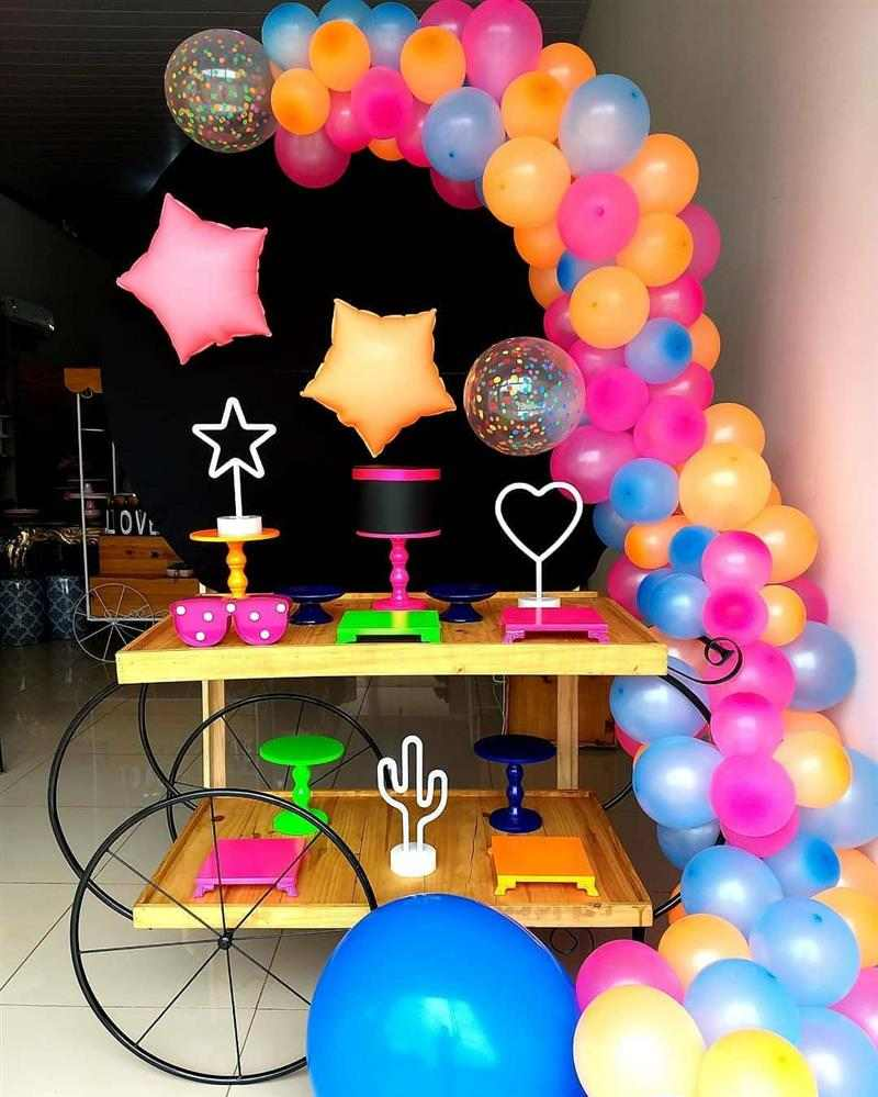 festa com estrela e globo