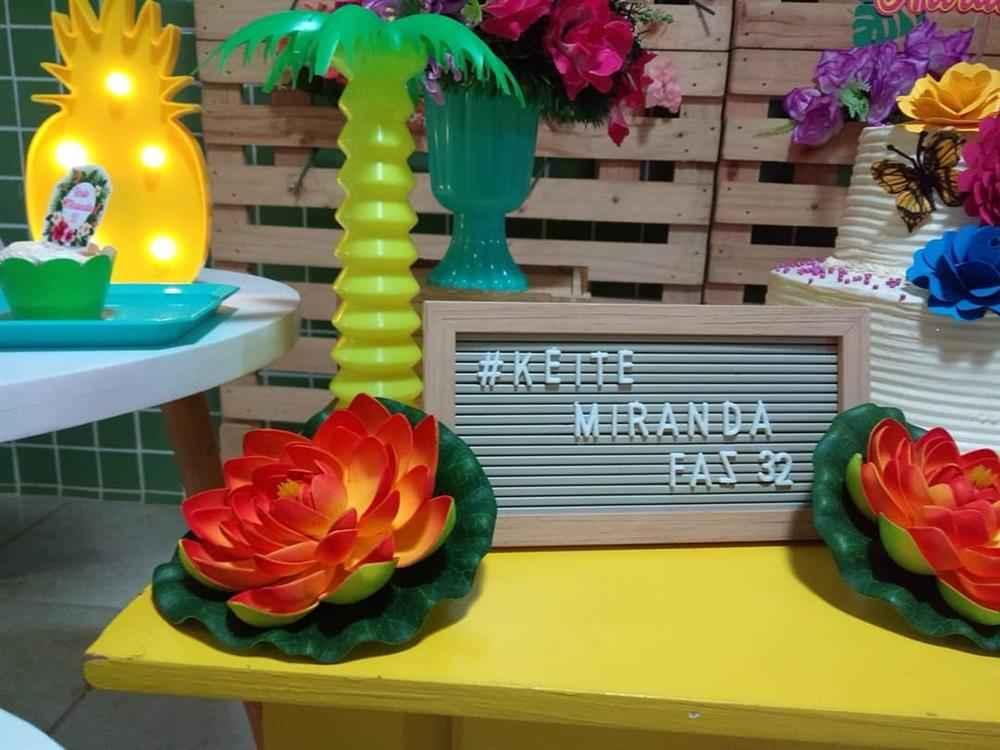detalhes para festa tropical