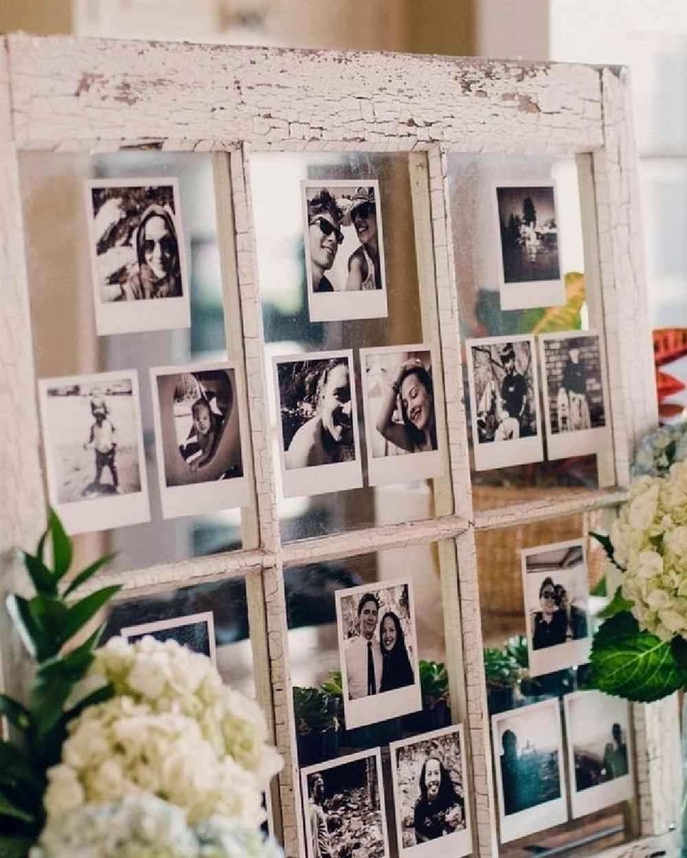 mural de fotos em janela velha