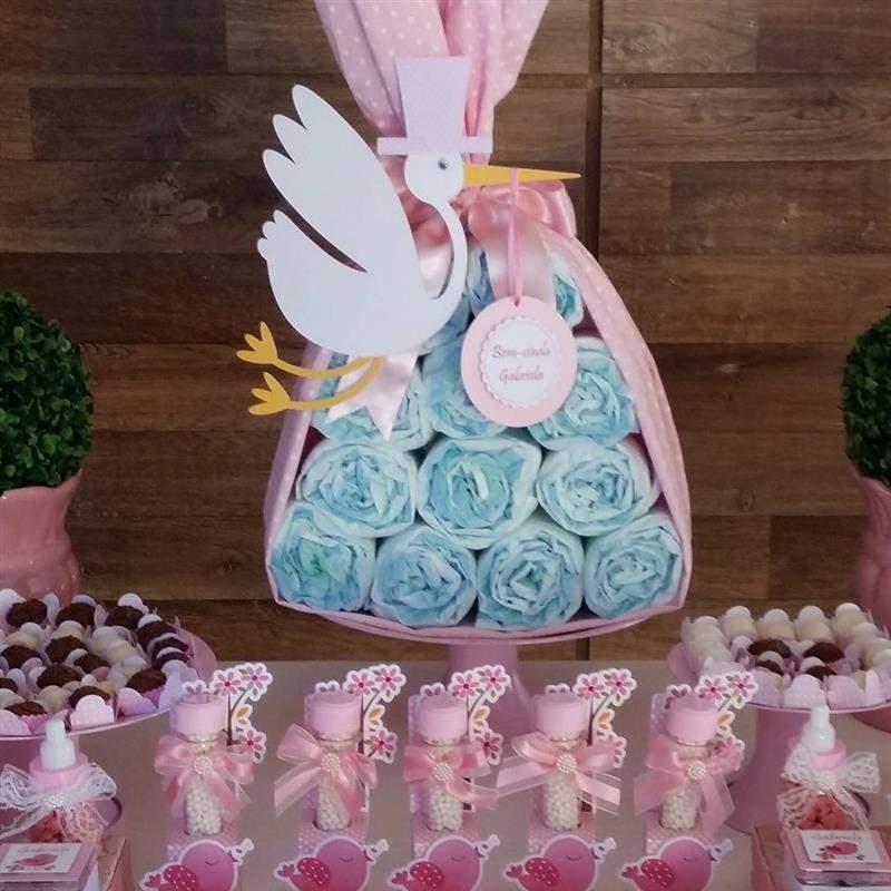 bolos cenográficos feitos com fraldas