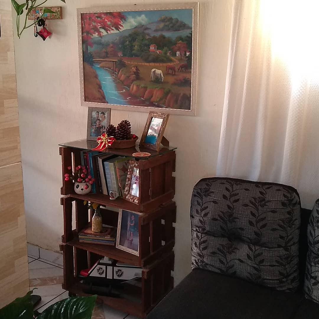 armario para sala feito com caixote