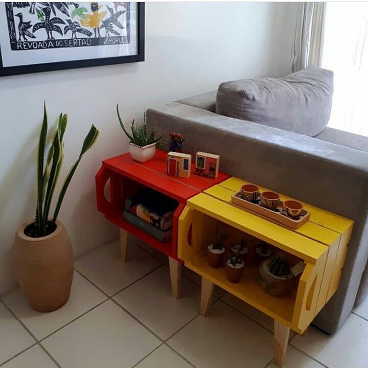pequeno móvel de caixote para sala