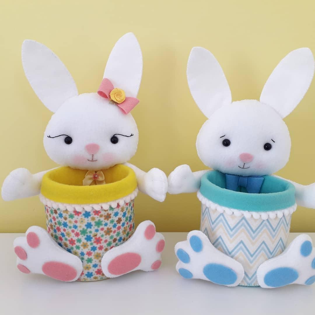 coelhinhos com potinhos decorados