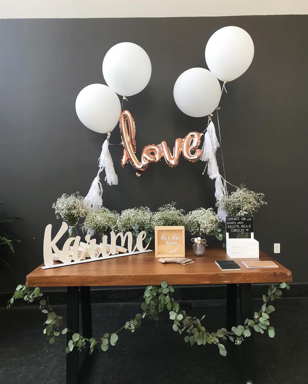 mesa com balões