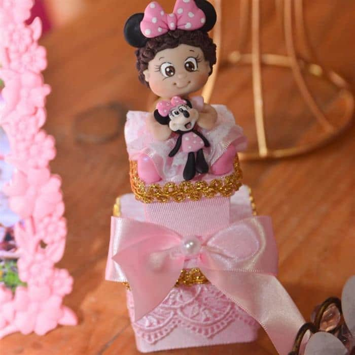 Bonequinha personalizada para festa da Minnie rosa