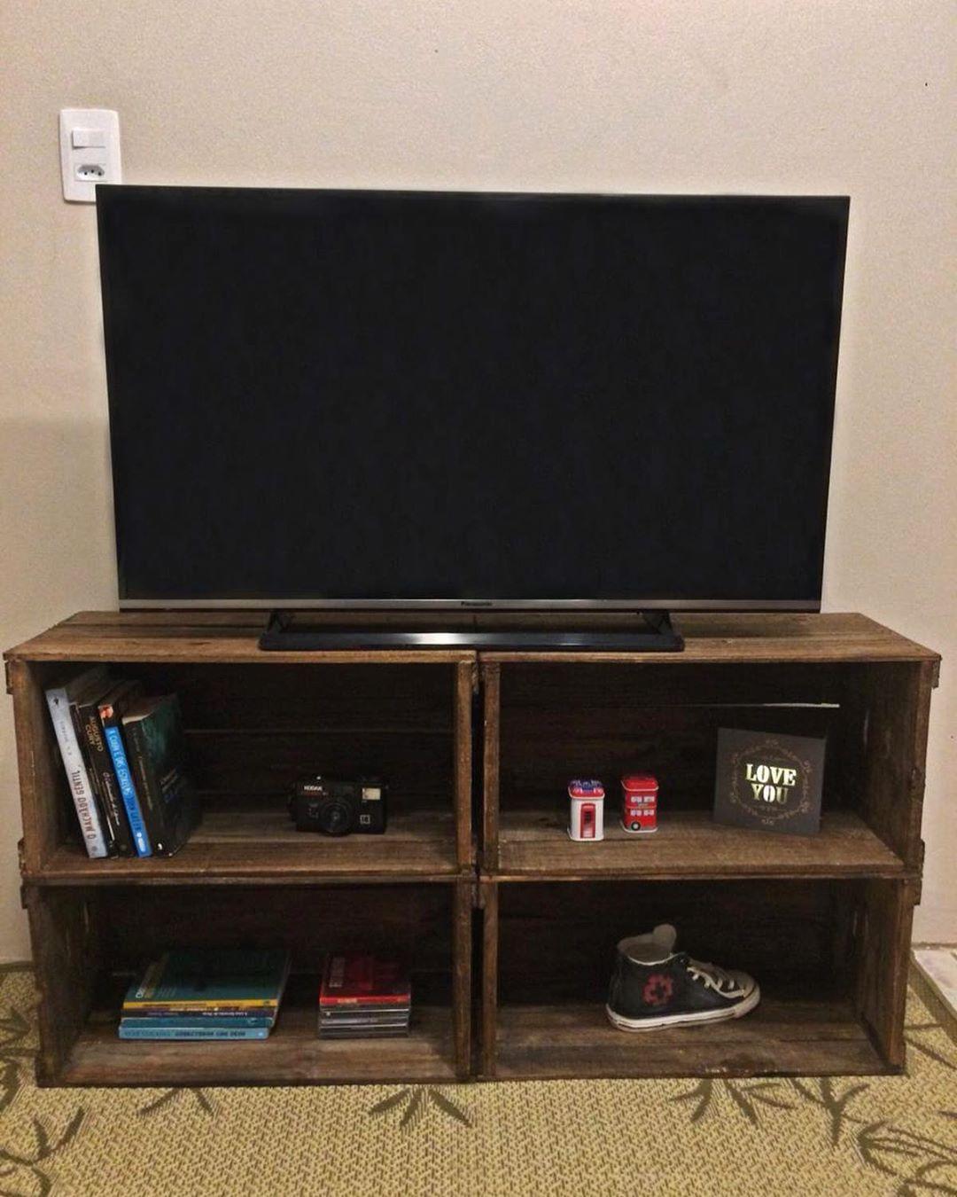 estante para televisão de caixote