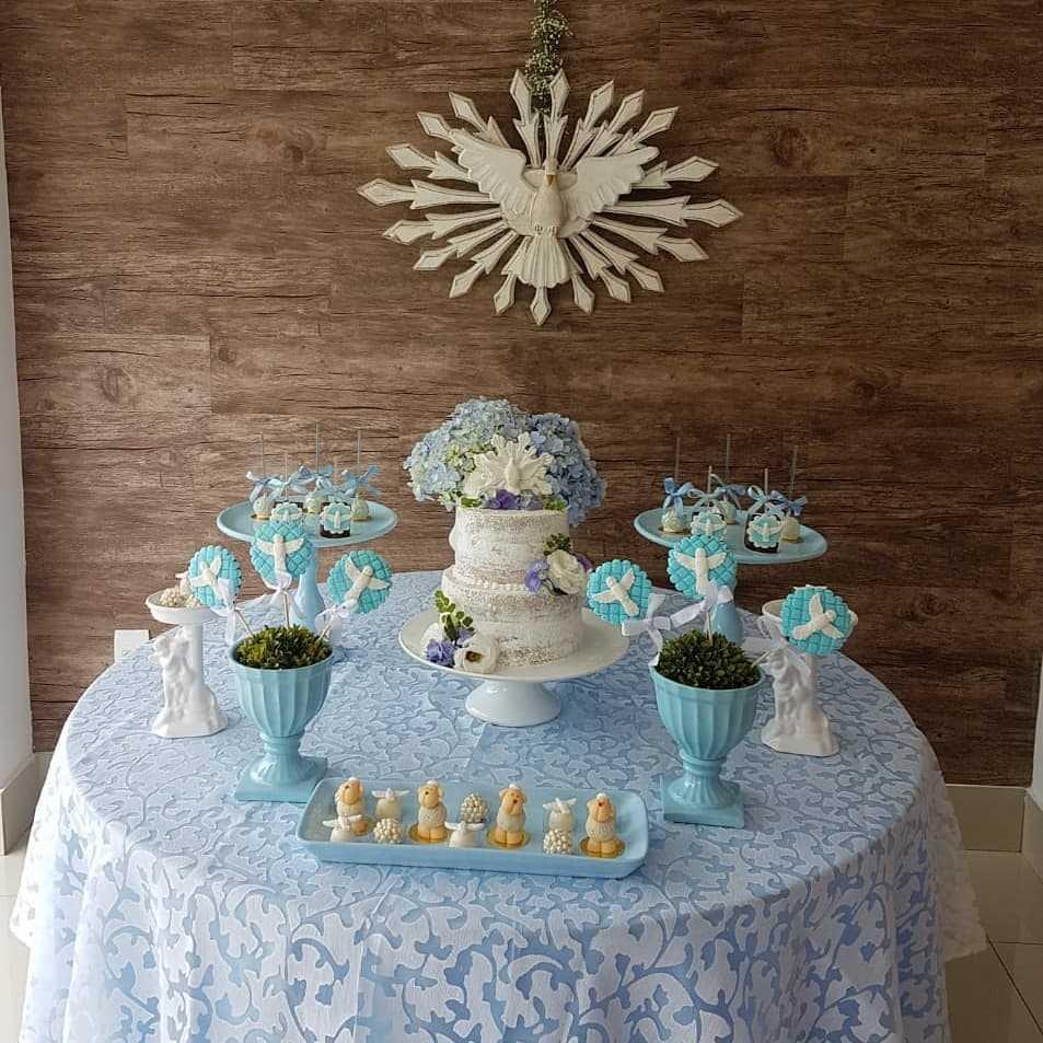decoração simples de batismo