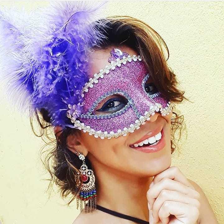 mascara de carnaval lilas
